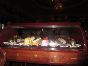 Here is the dessert cart.