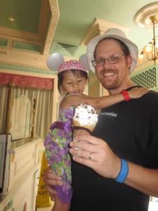 Glenn's giant single scoop cone - 1 snack credit