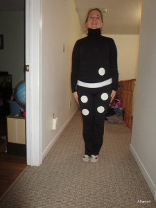 Isn't this a cute idea?  The teachers at school all dressed up as dominos.